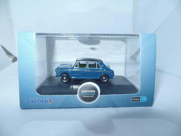 Oxford 76AUS005 AUS005 1/76 OO BLMC Austin 1300 Teal Blue Black Vinyl Roof